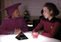 210px-guinan_and_ro_laren_2368.jpg