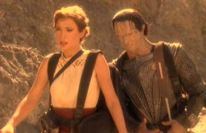 292px-kira_and_dukat_look_for_wreckage.jpg